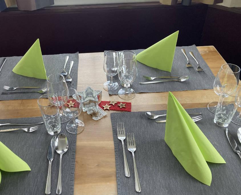 Gedeckter Tisch Sonne Krummenau